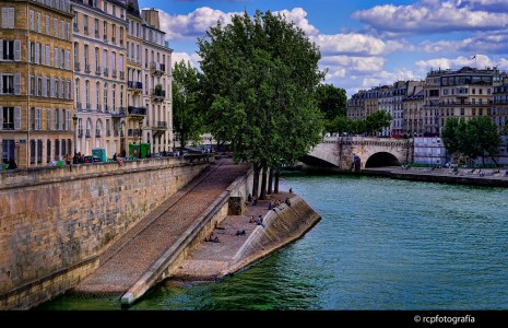 Along the Seine Jigsaw Puzzle