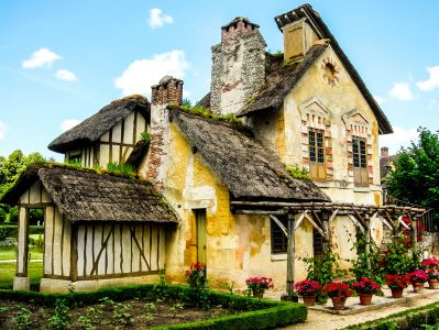 Antoinette Cottage Jigsaw Puzzle