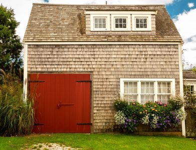 Barn Door Cottage Jigsaw Puzzle