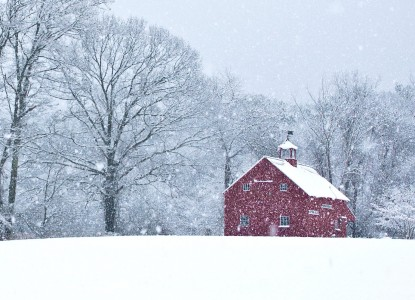 Barn in the Snow Jigsaw Puzzle