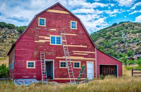 Barn Repair Jigsaw Puzzle