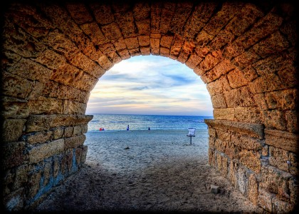 Beach Tunnel Jigsaw Puzzle