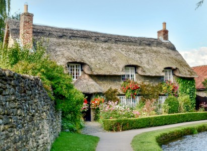 Beck Isle Cottage Jigsaw Puzzle