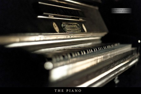 Black Piano Jigsaw Puzzle
