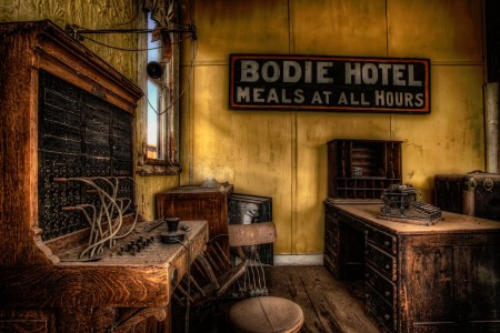 Bodie Hotel Jigsaw Puzzle