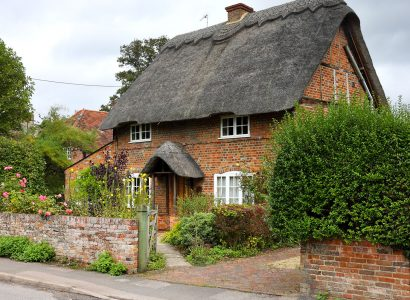 Brick Cottage Jigsaw Puzzle
