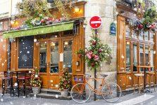 Cafe at Christmas