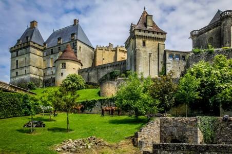 Château de Biron Jigsaw Puzzle