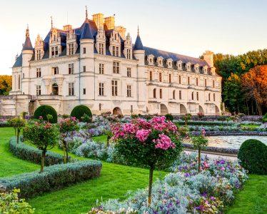 Chenonceau Castle Garden Jigsaw Puzzle