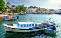 Chora Boats