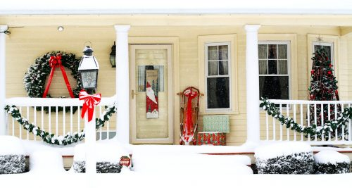Christmas Porch Jigsaw Puzzle
