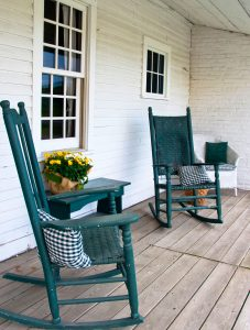 Country Porch Rockers Jigsaw Puzzle