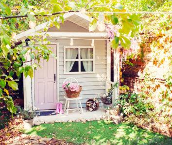 Cozy Garden House Jigsaw Puzzle