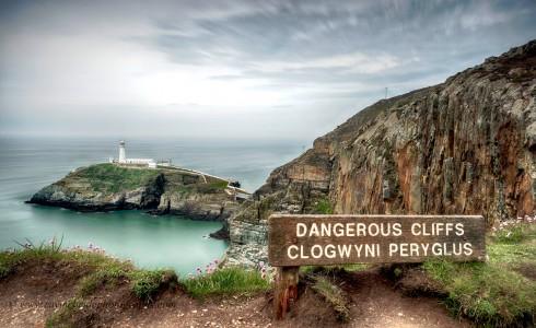 Dangerous Cliffs Jigsaw Puzzle