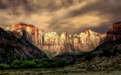 Dawn in Zion Jigsaw Puzzle