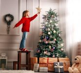 Decorating the Tree Jigsaw Puzzle