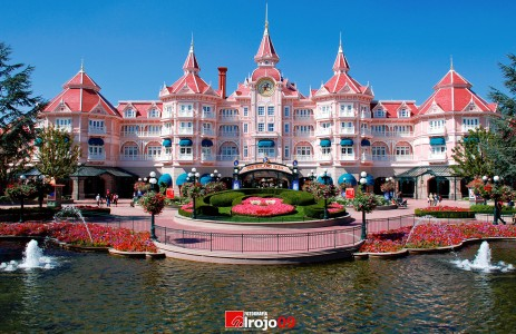 Disneyland Hotel Jigsaw Puzzle