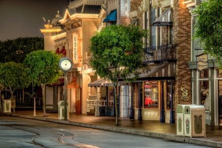 Disneyland Main Street Jigsaw Puzzle