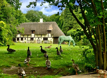 Dogmersfield Cottage Jigsaw Puzzle