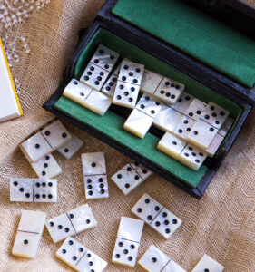 Dominoes Jigsaw Puzzle