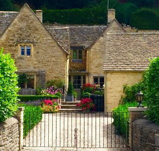 English Country House Jigsaw Puzzle