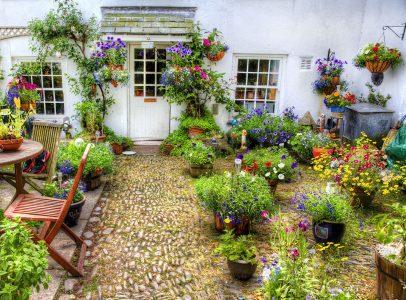 English Garden Patio Jigsaw Puzzle