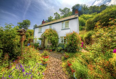 English Home and Garden Jigsaw Puzzle