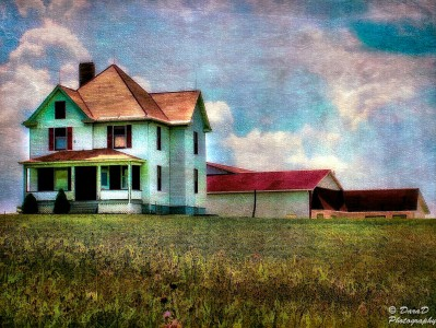 Farmhouse on the Hill Jigsaw Puzzle