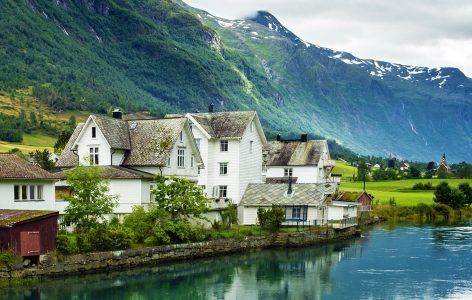 Fjord Houses Jigsaw Puzzle