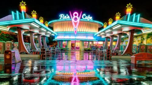 Flo's V8 Cafe Jigsaw Puzzle