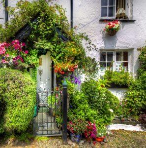 Flowery Doorway Jigsaw Puzzle