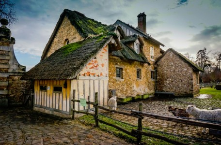 French Farm House Jigsaw Puzzle
