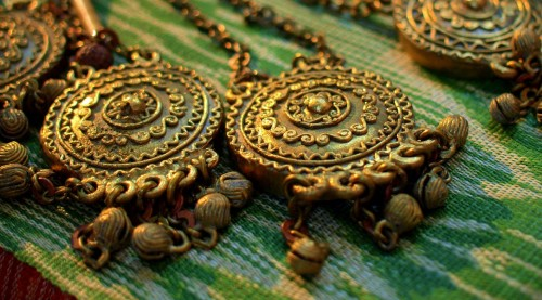 Golden Necklaces Jigsaw Puzzle