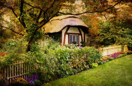 Guest Cottage Jigsaw Puzzle