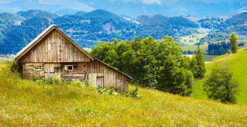 Hillside Barn Jigsaw Puzzle