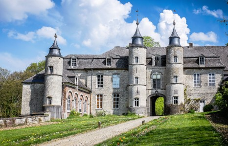 Houtain-le-Val Castle Jigsaw Puzzle