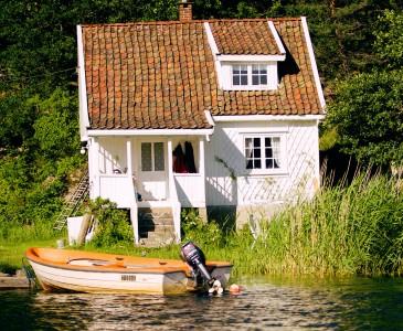 Island Cottage Jigsaw Puzzle