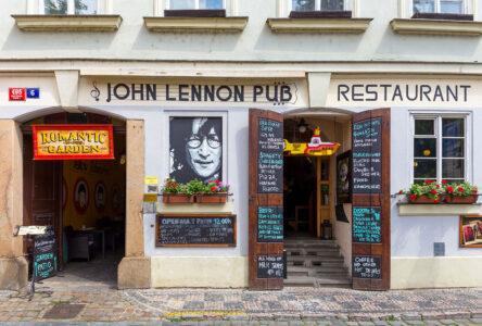 John Lennon Pub Jigsaw Puzzle