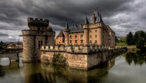 La Clayette Castle Jigsaw Puzzle