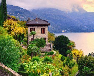 Lake Como Villa Jigsaw Puzzle