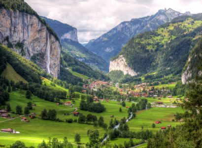 Lauterbrunnen Valley Jigsaw Puzzle