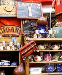 London Antiques Jigsaw Puzzle