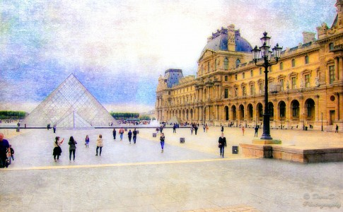 The Louvre Jigsaw Puzzle