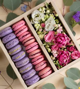 Macarons and Flowers Jigsaw Puzzle
