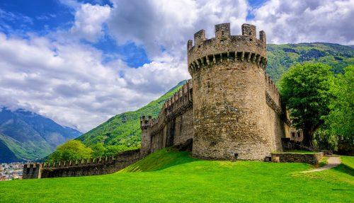 Montebello Castle Jigsaw Puzzle