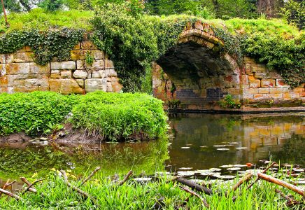 Old Castle Bridge Jigsaw Puzzle