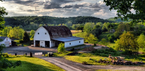 Old Farmstead Jigsaw Puzzle