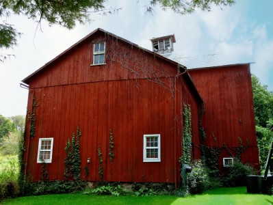 Old Simonds Barn Jigsaw Puzzle