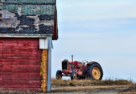 Barn and Tractor Jigsaw Puzzle