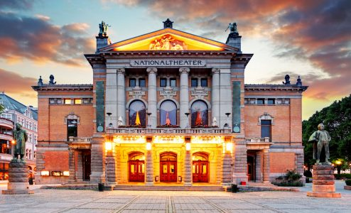 Oslo National Theater Jigsaw Puzzle